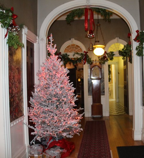 Holiday Greens Show at Hart-Cluett Mansion