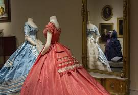 'Victorian Albany' fashions at Institute